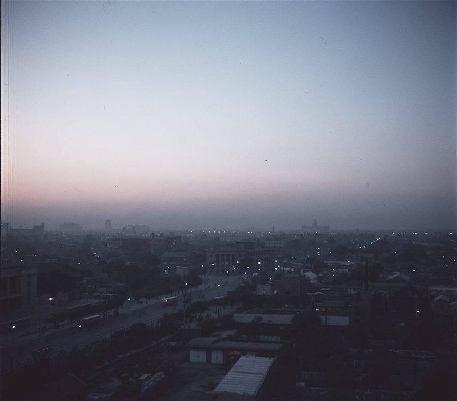 Peking Blick von der Dachterrasse am Abend