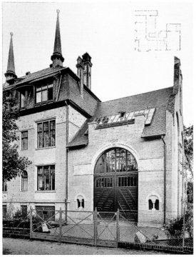 Hiervon sind 1930 nur die Souterrain-Gitter erhalten