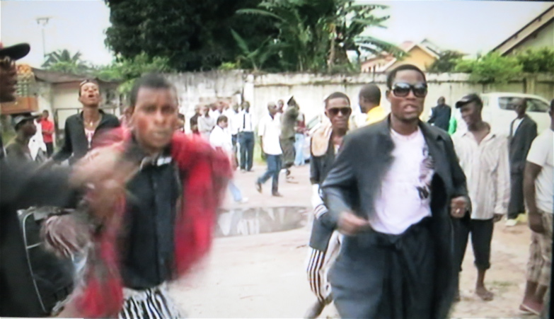 ARTE Kleider und Leute: Kongo Kinshasa 16.6.2010. 26' Karim Miska