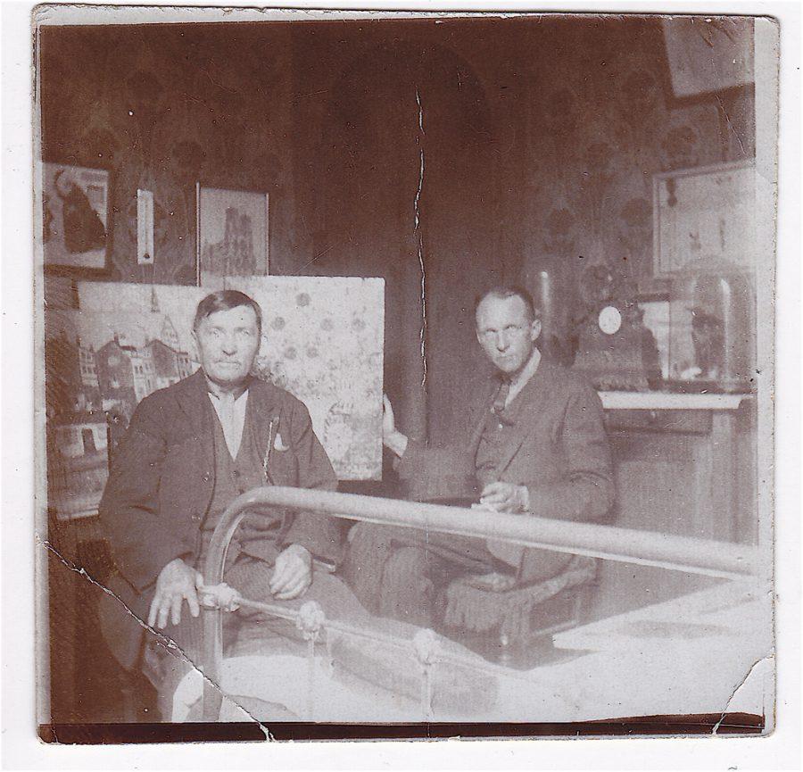 'Lefevre + Erich-Wolters' (Rückenbeschriftung) 1931 Paris (c) Nachlass Wiegmann