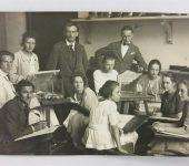 Klassenfoto ohne weitere Beschriftung, 1922 ?