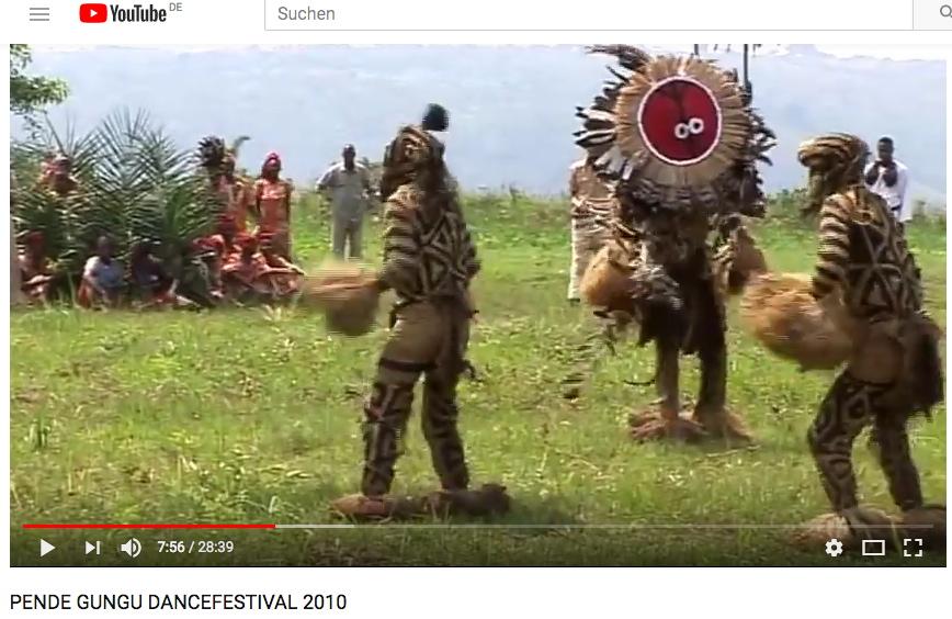moderne Minganji-Truppe auf dem Festival Gungu in 2010 - Standbild-