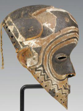 Luluwa-Maske-africa.uima.uiowa.edu