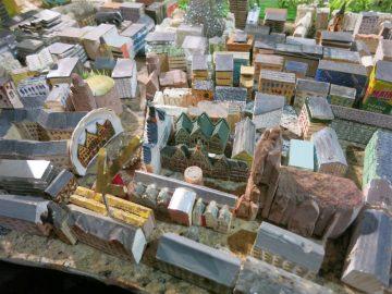 Modell Dombereich mit Neubau (Pfeil)